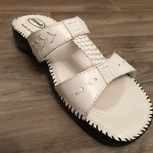 Dr. Scholl's White leather slip on sandals / NWOT